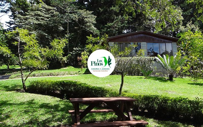 Los Pinos - Cabins & Gardens